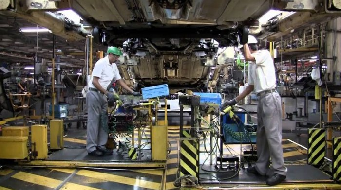 KIA y Nissan prolongan paro técnico, sin garantía del 100% de salarios