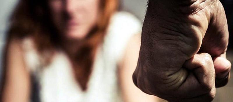 Registran 40 casos al día de violencia contra la mujer (Colima)
