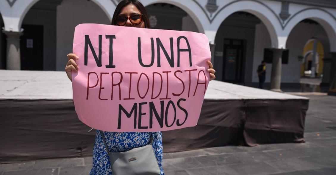 Atentan contra hija de María Elena Ferral, periodista asesinada en Veracruz
