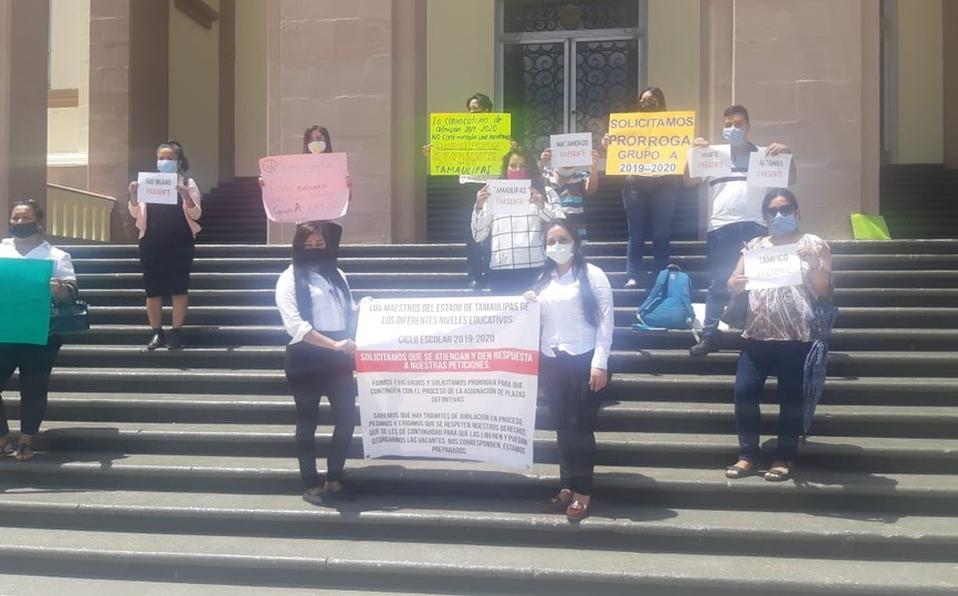 En Tamaulipas maestros protestan y exigen plazas