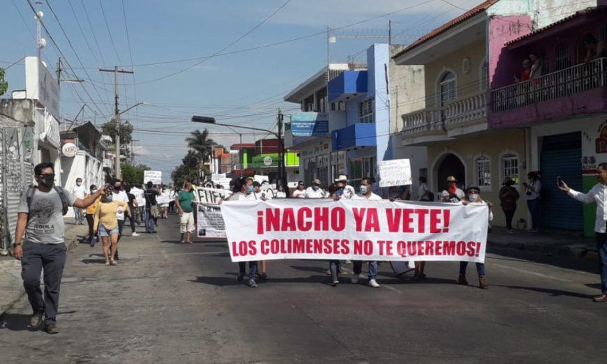 Ante alza en inseguridad, colimenses protestan y piden renuncia del gobernador