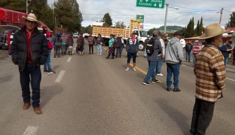 Consejo Supremo Indígena bloquea carreteras ante visita al estado de AMLO (Michoacán)