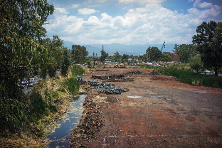 Protegiendo el humedal de Xochimilco: la Ciudad de México sigue urbanizándose sobre un lago