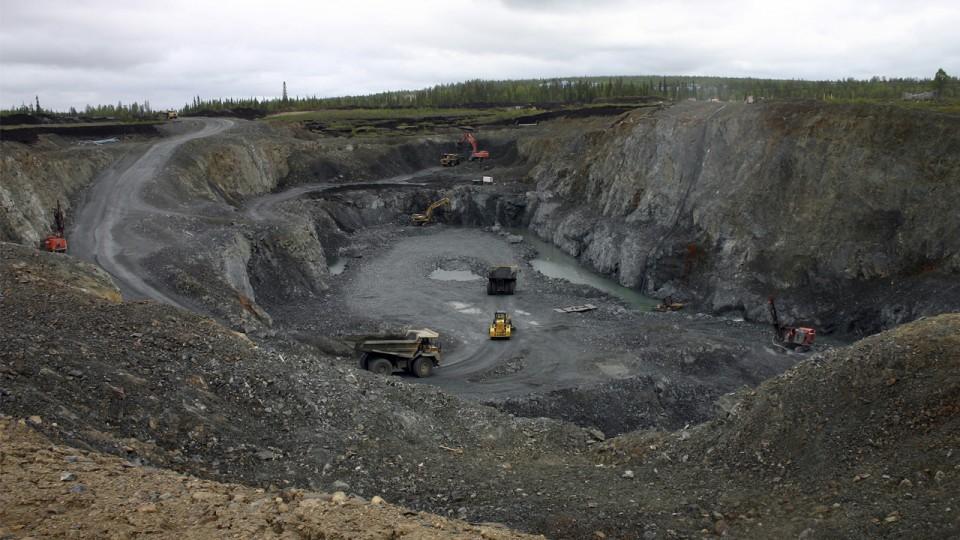 Ejido Ayotitlán pretende desalojar a la última familia de una ranchería para rentar terrenos a minera (Colima)