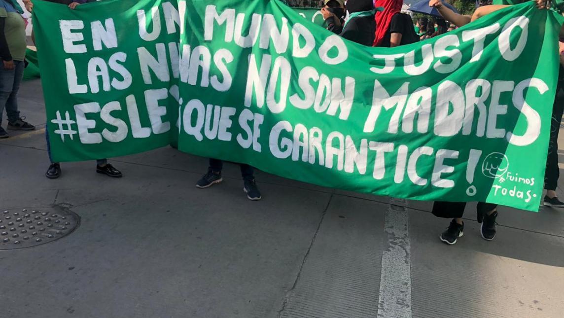 Marchan feministas en Oaxaca para exigir aborto seguro y gratuito