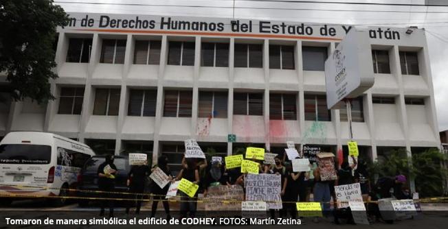 Feministas yucatecas toman la CODHEY