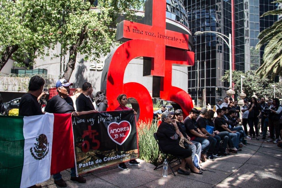 Familiares de mineros de Pasta de Conchos, Coahuila rechazan monumento; quieren sus restos