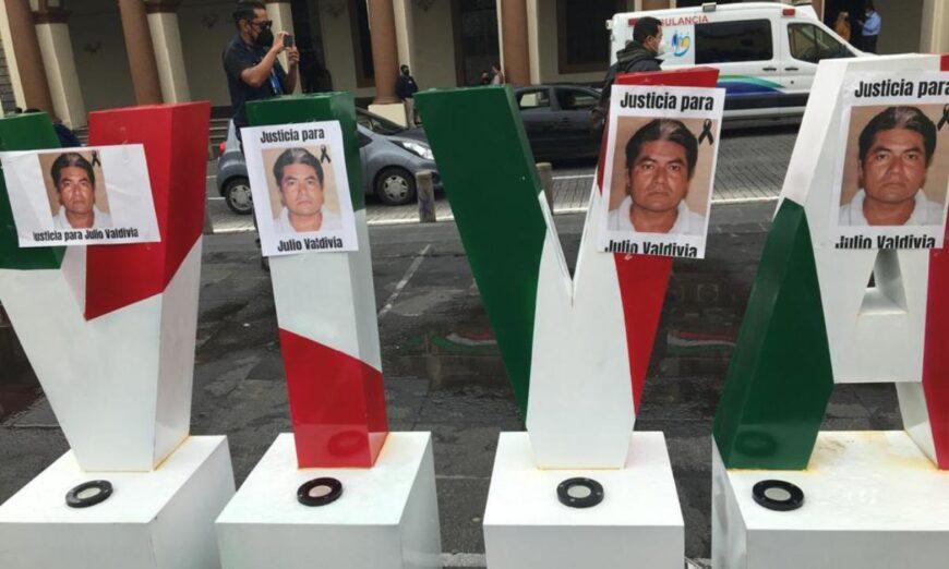 En Xalapa y Córdoba, periodistas protestan por el asesinato de su colega Julio Valdivia (Veracruz)