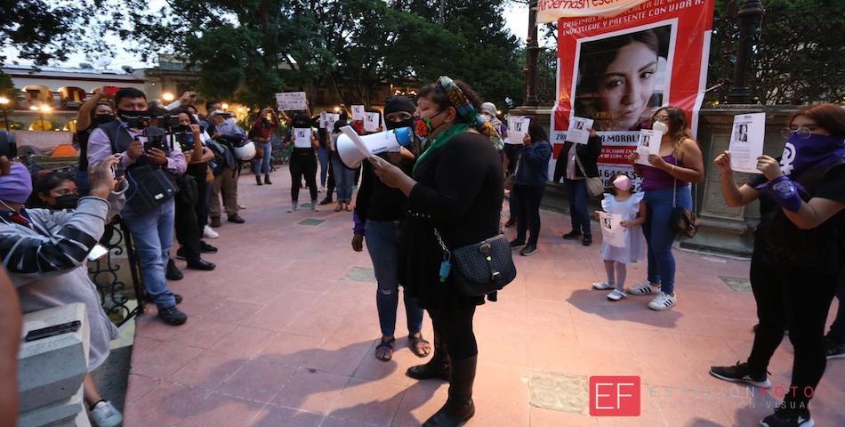 """""""Me estoy muriendo en vida"""", clama madre de Zayra, una de las 30 desaparecidas en Oaxaca"""