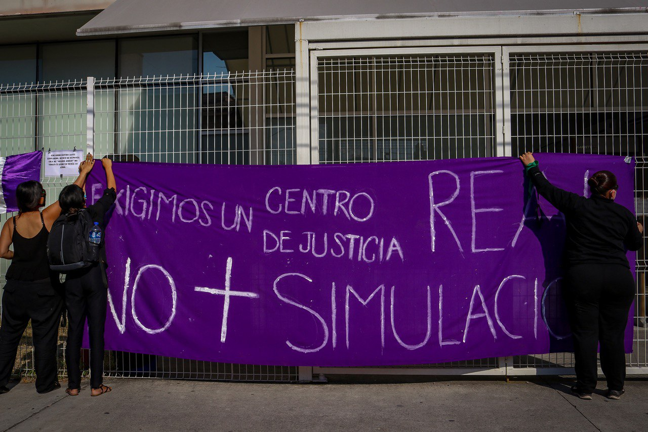 """""""Este no es un centro de justicia, es un centro de injusticia para las mujeres"""": colectivas feministas en Jalisco"""