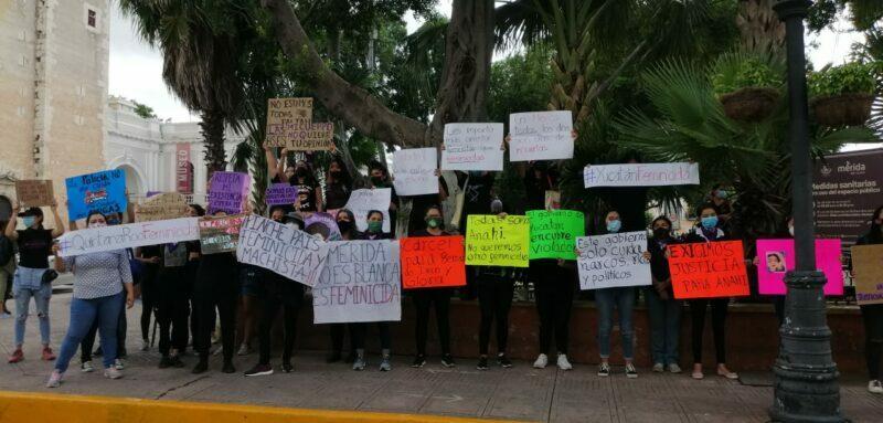 Yucatecas se manifiestan por la represión policial ocurrida en Cancún