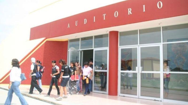 Despiden a profesora por respaldar a alumnas que denunciaron acoso en la Unistmo (Oaxaca)