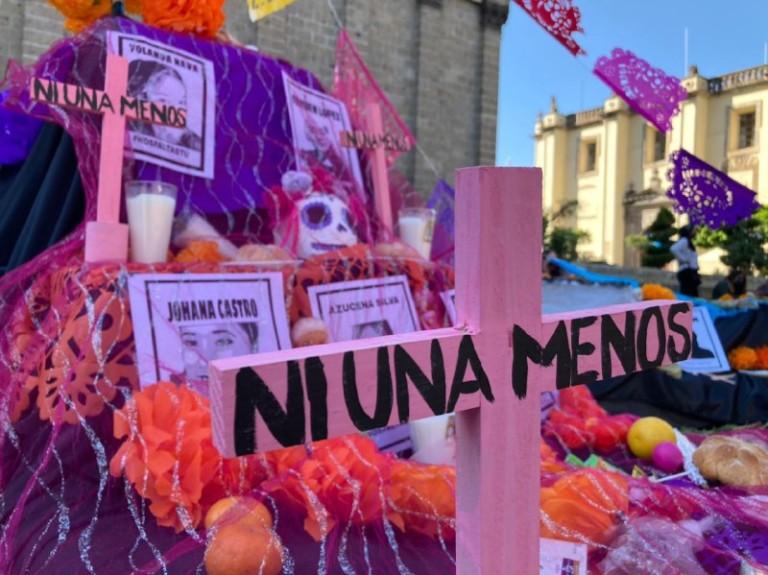 """""""Las que estamos aquí somos el eco de las voces que nos arrebataron"""" colectivas de Jalisco realizan acción memorial y de exigencia de justicia por el Día de las Asesinadas"""