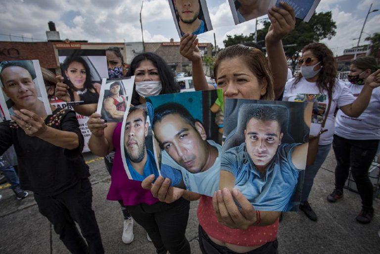 Sin presencia de familiares de desaparecidos y sin autocrítica, Gobierno de Jalisco presentó el Segundo Informe sobre desapariciones en el estado