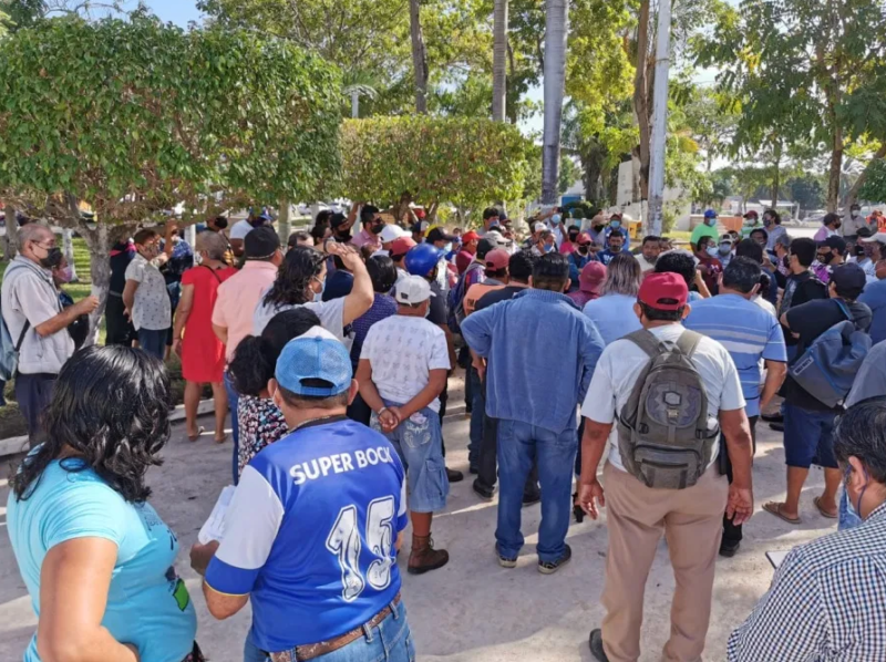 Chetumal: Descuentos en pago de aguinaldos ocasiona manifestación de trabajadores en el Ayuntamiento de OPB