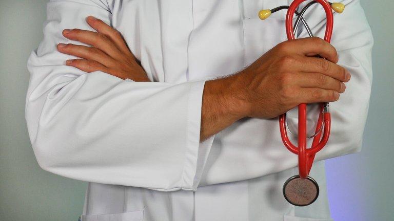 Suspende Issste servicios médicos a maestros (Colima)