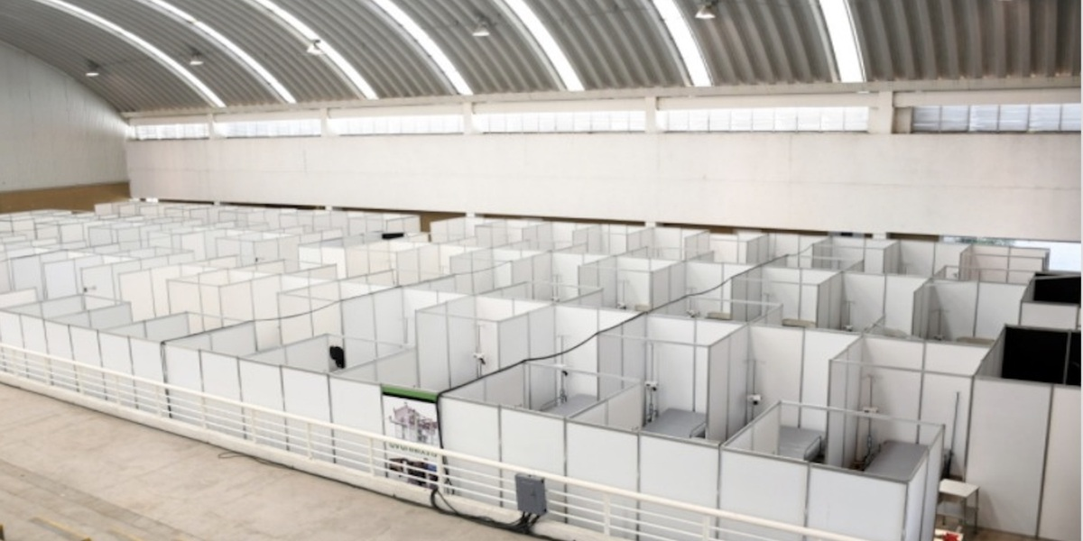 Neza se queda sin camas; hospital provisional no se utiliza por falta de médicos y burocracia (Estado de México)