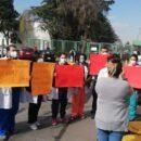Protestan anestesiólogos del hospital Nicolás San Juan por no recibir vacuna (Estado de México)