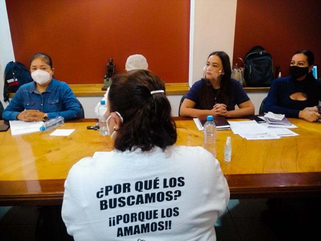 Por falta de compromiso, profesionalismo y empatía ante las víctimas familiares de desaparecidos insisten en la remoción de titular de búsqueda ante el Congreso (Colima)