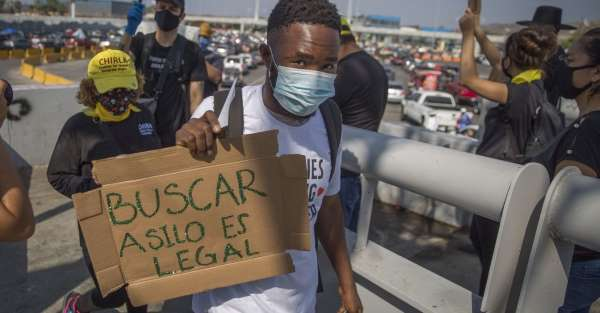 México solo dio trabajo a 64 solicitantes de asilo devueltos por EU, y no a miles como prometió