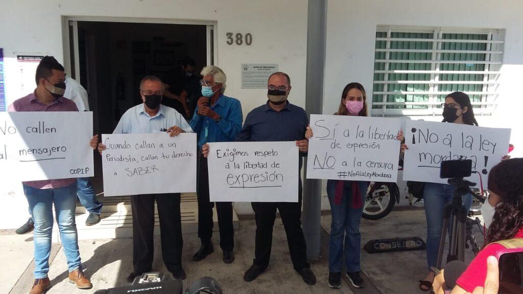 Periodistas exigen que el IEE cese arbitrariedades contra la libertad de expresión (Colima)