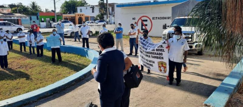 Sigue protesta por falta de vacunas: Exigen empleados de Salud ser vacunados contra COVID-19 en Felipe Carrillo Puerto (Quintana Roo)