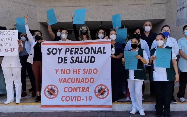 Trabajadores del IMSS se manifiestan y piden vacunas (Jalisco)