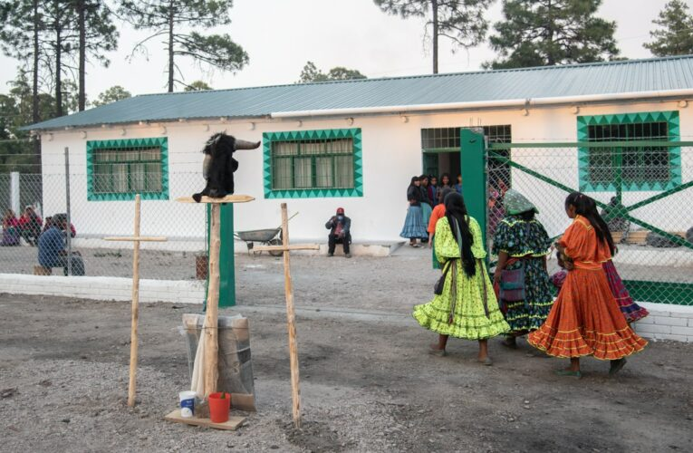 Bowe Najativo: abre taller de costura rarámuri en resistencia (Chihuahua)