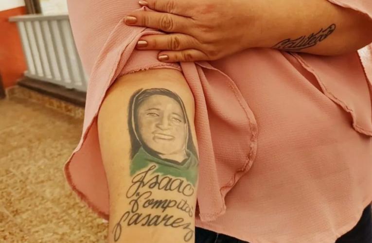Inmortaliza a su hijo desaparecido en Sinaloa y no descansará hasta encontrarlo