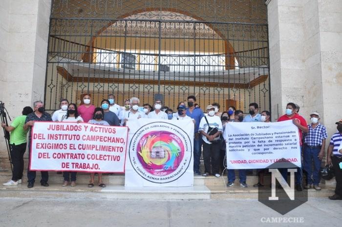 Protestan empleados del IC (Campeche)