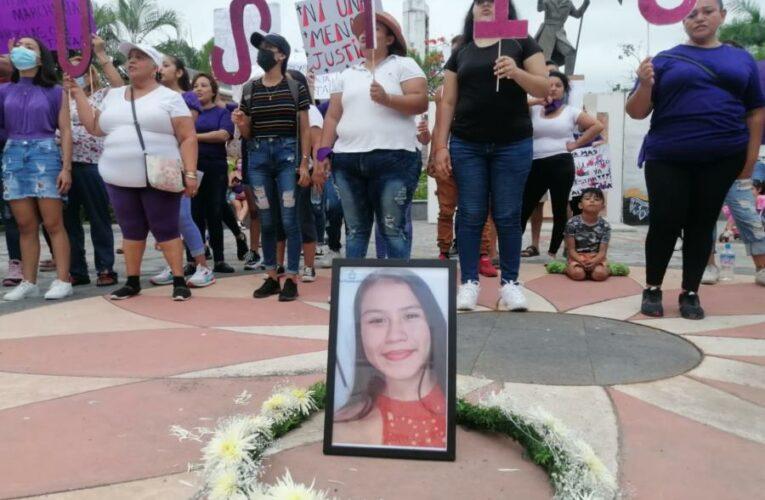 "Marchan en Tecomán para que se haga justicia a ""Tita"" (Colima)"