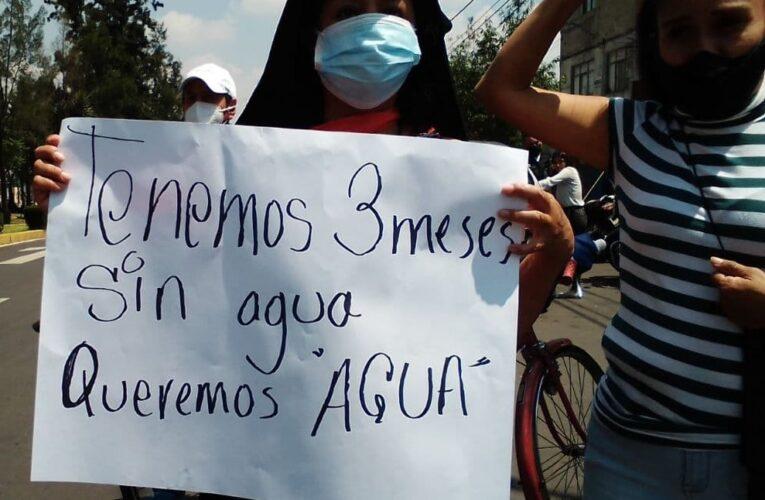 Sin agua desde hace 3 meses y en medio del pico de COVID-19, vecinos de Santo Domingo exigen el vital líquido (Ciudad de México)