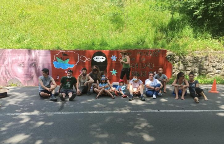 Movilizaciones en Artea y Zeberio para celebrar la llegada a Europa de la gira zapatista (Euskal Herria/Paìs Vasco)