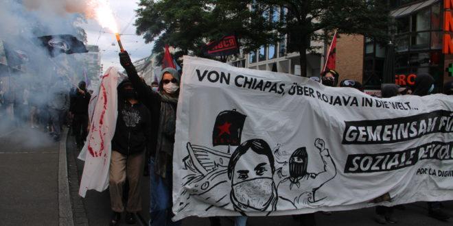 """Zapatistas en Suiza: """"estamos viendo que tienen ese valor y ánimo de luchar contra quien sea y derrocar el sistema capitalista"""""""