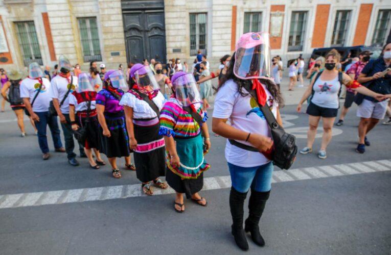 """Zapatistas anuncian salida de delegación aérea; """"La Extemporánea"""" llegará a Austria"""