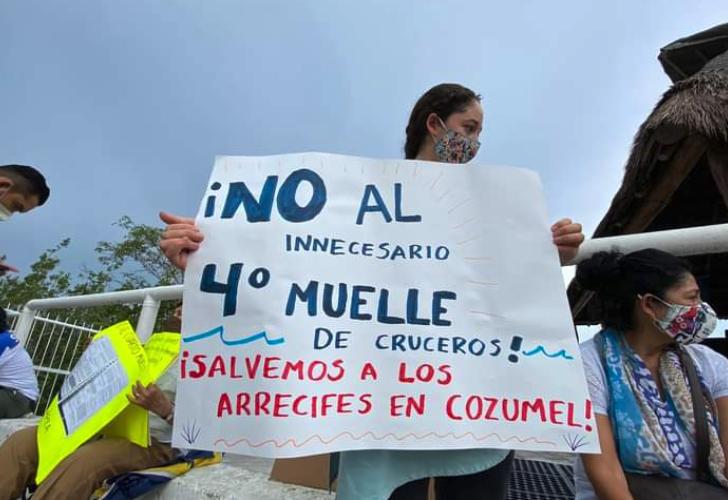 Protestan contra cuarto muelle de cruceros en Cozumel (Quintana Roo)