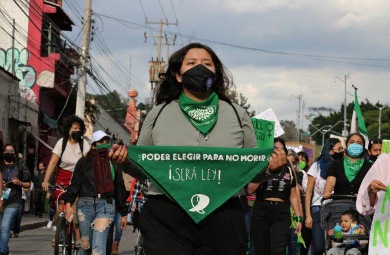 Fiscalía de Querétaro persigue tras 8M; activistas acusan criminalización