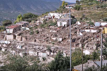 Continúan los hundimientos y sismos en zona de extracción minera del semidesierto