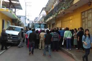 Suspende CFE energía en Huauchinango y ocasiona protestas y cierre de calles (Puebla)