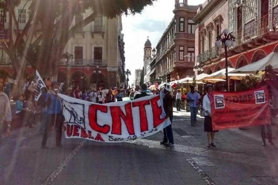 Marcha CNTE en Puebla contra la reforma educativa y anuncian más movilizaciones