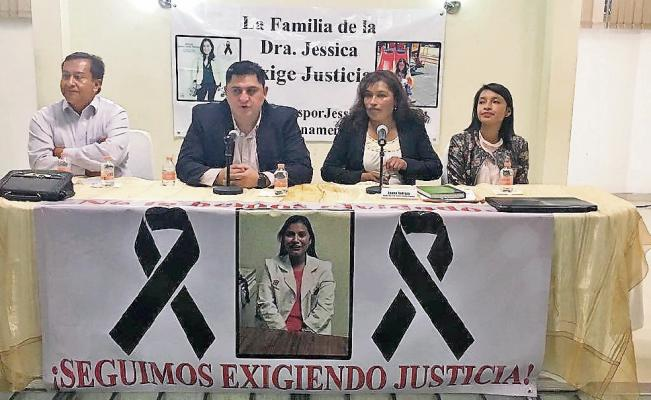 Padres de Jessica Sevilla solicitan ayuda para aclarar asesinato