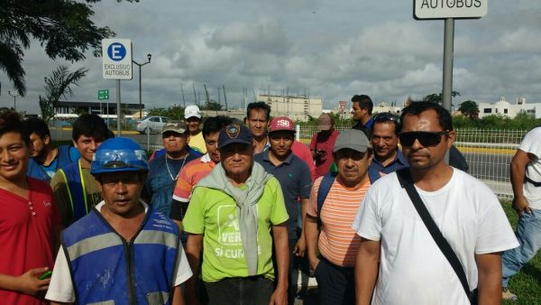 Trabajadores reclaman pago de sueldos a empresa constructora (Yucatán)