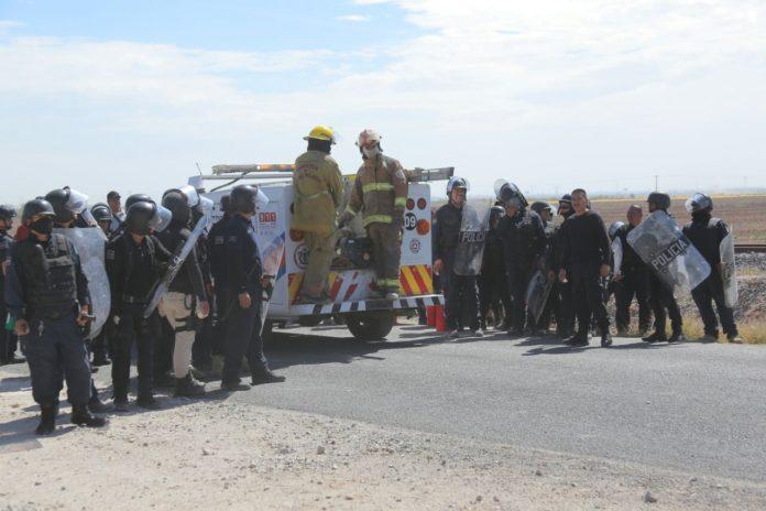 Por caso Chemours exigen liberar a presos politicos (Durango)