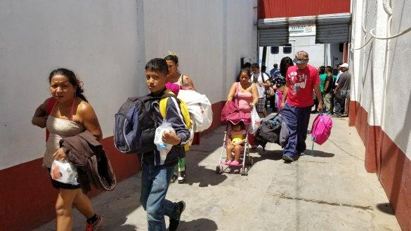Migrar para sobrevivir, advierten quienes forman parte del Viacrucis del Migrante (Baja California)