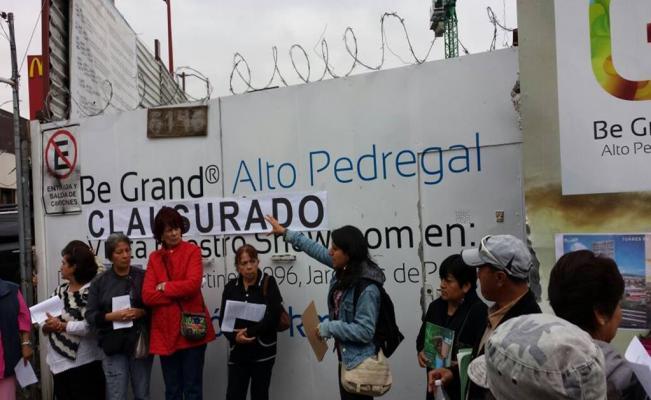 Vecinos 'clausuran' edificios; acusan que provocan escasez de agua (Ciudad de México)