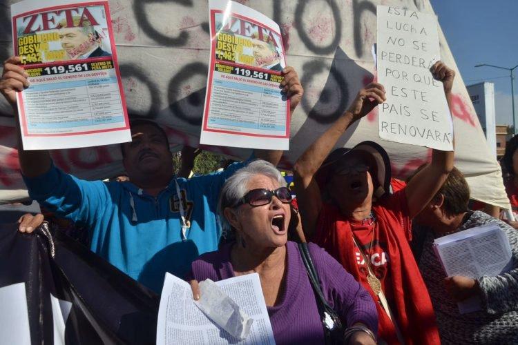 Desfile de protestas en Mexicali (Baja California)