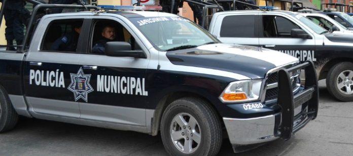 En vídeo, policías agreden a camarógrafo (Durango)