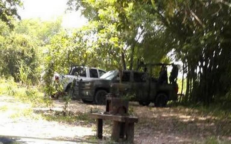 Ejército custodia camionetas con explosivos, dicen es el Fracking (San Luis Potosí)