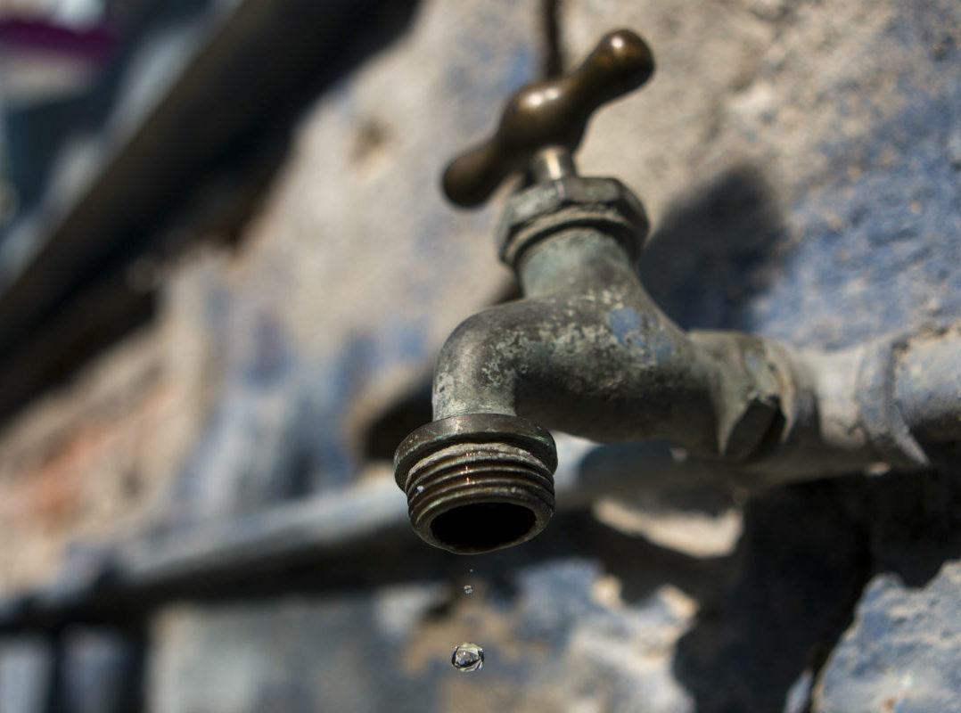 La del agua, otra crisis que los candidatos ignora