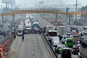 Bloquean la México-Puebla para exigir agua (Estado de México)